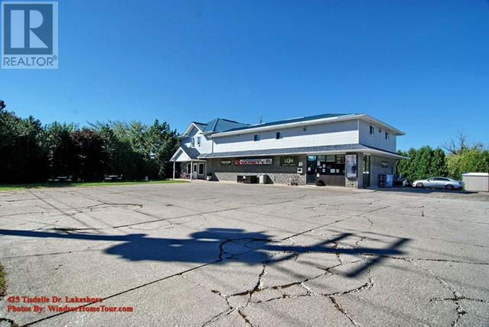 425 Tisdelle Lakeshore, Business Property For Sale
